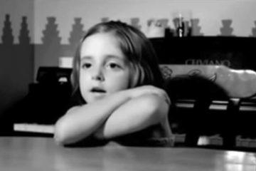 Corto Bailamos. Un vídeo en que las preguntas de la hija a su padre nos hacen reflexionar